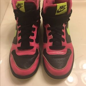 Nike Swoosh girls size 5 1/2 youth pink Sneakers